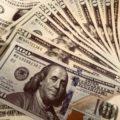 商社マンの給料・年収。海外駐在の手当てや出向の場合はどれくらい?総合職と一般職の違いは?